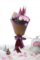 荷蘭鬱金香+ 荷蘭紅雪+11枝玫瑰+繡球+ 襯葉