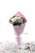 11枝玫瑰+繡球+ 蕾絲花 +龍柳