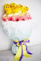 新加坡乒乓菊+ 蜜桃雪山玫瑰+ 美女櫻+ 太陽菊